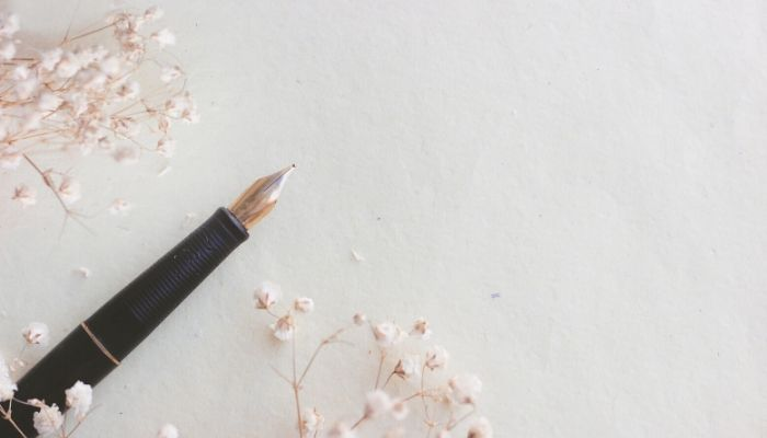 how does a fountain pen work